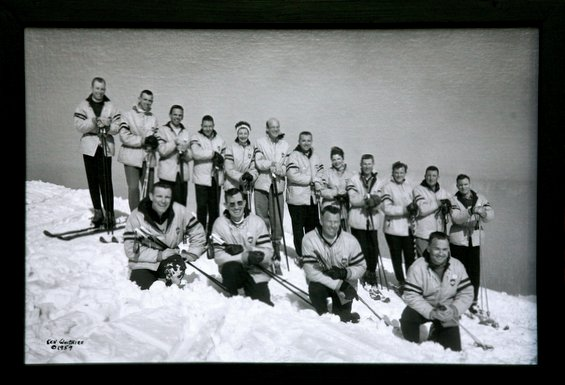 White Pass Ski School with Les in the back row (4th from the right).