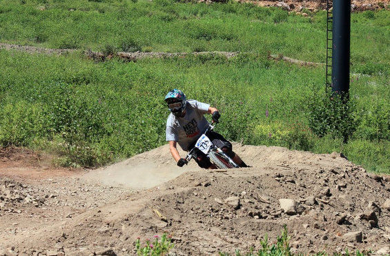 Ian competing at the NW Cup downhill bike race at Stevens Pass in early August.